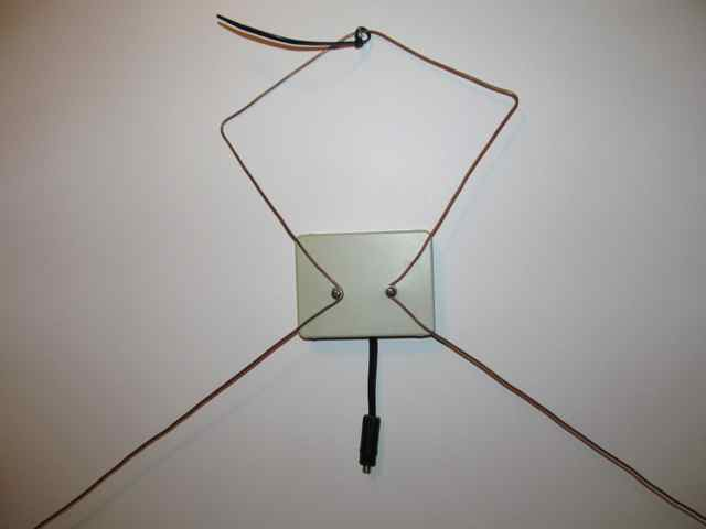 Make Your Own Uhf Hdtv Antenna The Bobby Blog